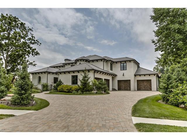10290 Oak Manor Drive, Olathe, KS 66061 (#2063193) :: Edie Waters Network