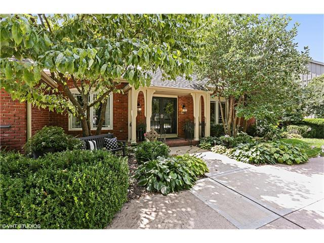 3201 W 84th Place, Leawood, KS 66206 (#2063268) :: The Shannon Lyon Group - Keller Williams Realty Partners