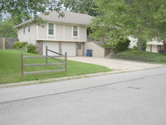 8202 E 166th Street, Belton, MO 64012 (#2063281) :: Select Homes - Team Real Estate
