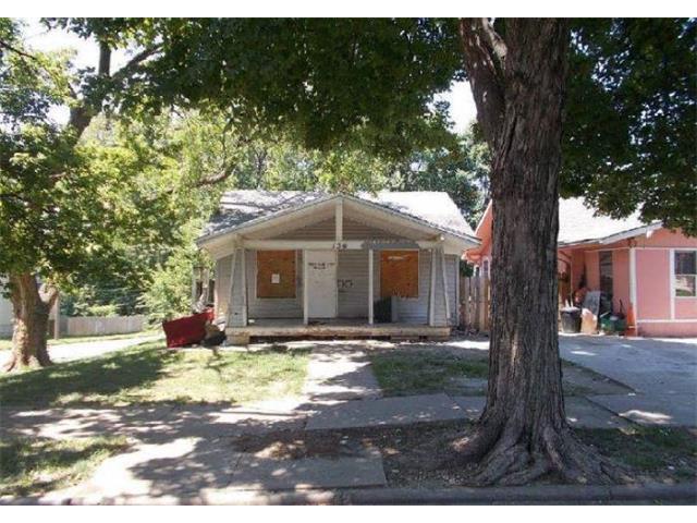 136 Bellaire Avenue, Kansas City, MO 64123 (#2064388) :: The Shannon Lyon Group - Keller Williams Realty Partners