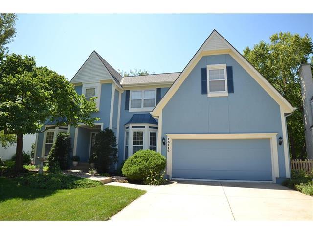 13116 Larsen Street, Overland Park, KS 66213 (#2064559) :: Tradition Home Group