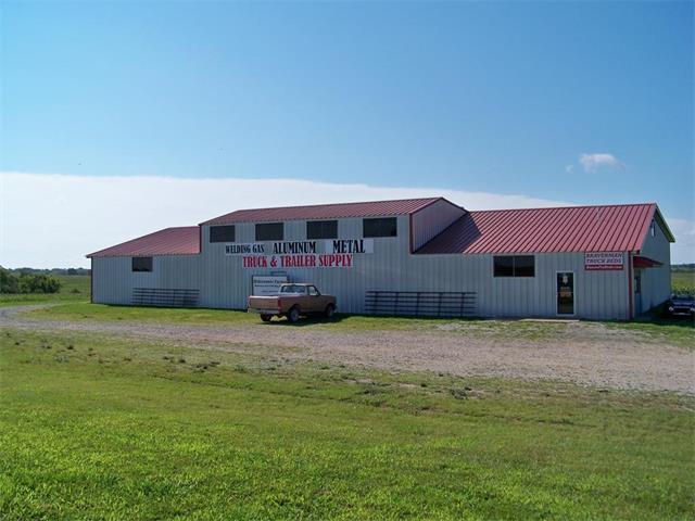 14501 S Us 59 Highway, Oskaloosa, KS 66066 (#2064568) :: Carrington Real Estate Services