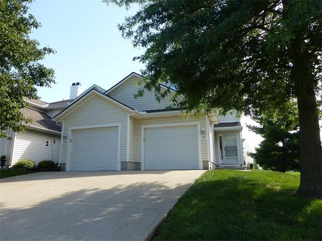 1327 SE Broadway Circle, Lee's Summit, MO 64081 (#2064612) :: Tradition Home Group