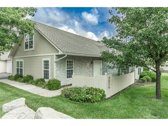 2036 W 139th Street, Leawood, KS 66224 (#2064620) :: Tradition Home Group