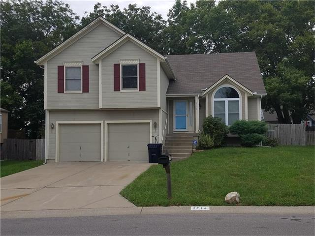 2714 NW 1st Street, Blue Springs, MO 64014 (#2064637) :: Tradition Home Group
