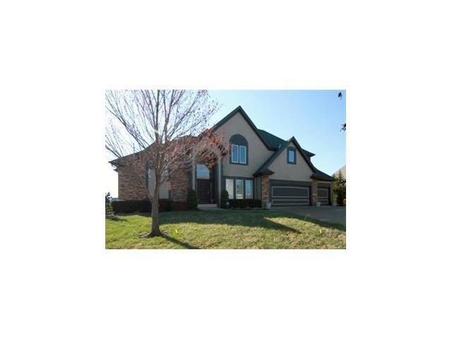 10227 N Fisk Avenue, Kansas City, MO 64154 (#2064641) :: Edie Waters Team
