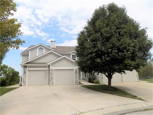 1235 NW Hidden Ridge Circle, Blue Springs, MO 64015 (#2064653) :: Tradition Home Group