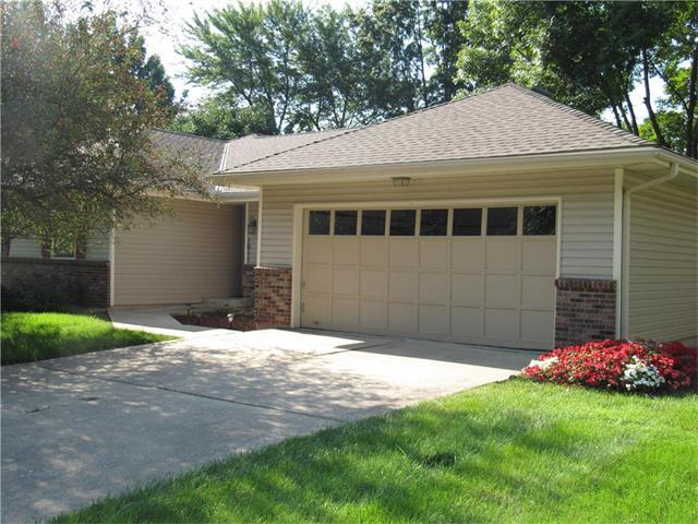 1011 SE 6th Terrace, Lee's Summit, MO 64063 (#2064748) :: Tradition Home Group