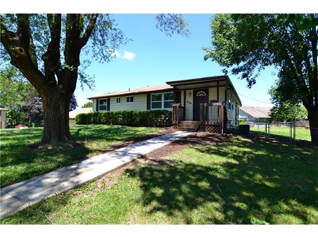 512 NW 71st Street, Kansas City, MO 64118 (#2064776) :: Tradition Home Group