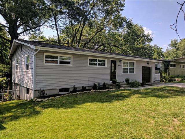 6842 N Montrose N/A, Kansas City, MO 64151 (#2064783) :: Edie Waters Team