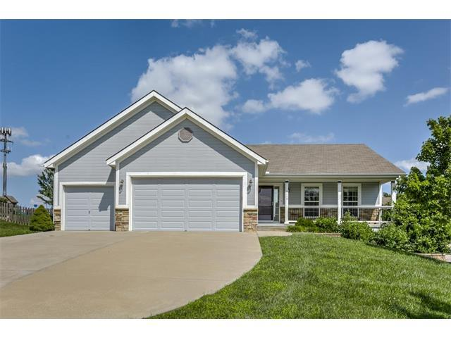 9119 N Garfield Avenue, Kansas City, MO 64155 (#2064795) :: Tradition Home Group