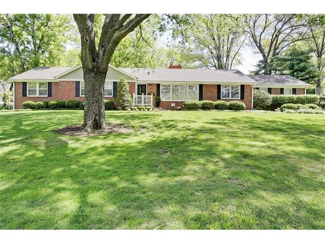2412 W 86th Terrace, Leawood, KS 66206 (#2064828) :: Tradition Home Group