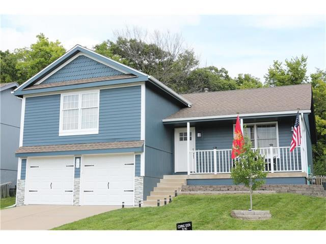 903 NW 62nd Terrace, Kansas City, MO 64118 (#2064862) :: Tradition Home Group