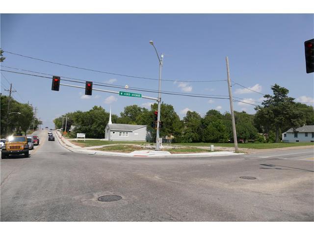 4225 Mission Road, Kansas City, KS 66103 (#2065838) :: Edie Waters Network