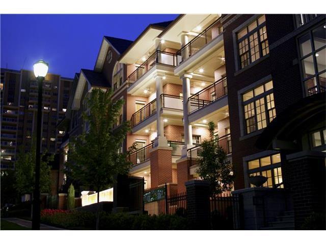 4921 Wyandotte #401 Street #401, Kansas City, MO 64112 (#2066799) :: Carrington Real Estate Services