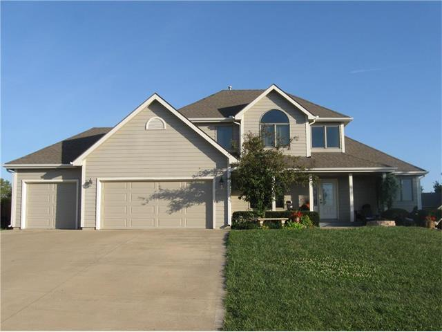 309 Signal Ridge Drive, Baldwin City, KS 66006 (#2067435) :: Edie Waters Network