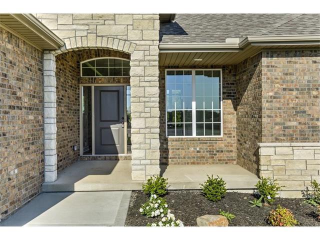 3211 N 109th Terrace, Kansas City, KS 66109 (#2067868) :: Edie Waters Team