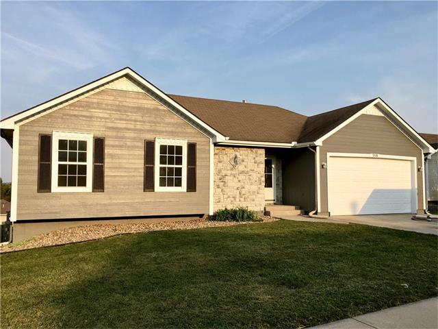 713 Brome Drive, Grain Valley, MO 64029 (#2067889) :: Team Dunavant