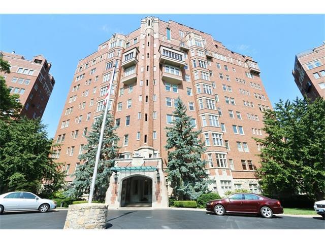 5049 Wornall Road 2C, Kansas City, MO 64112 (#2067994) :: NestWork Homes