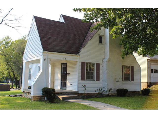 5738 Outlook Street, Mission, KS 66202 (#2068874) :: Select Homes - Team Real Estate