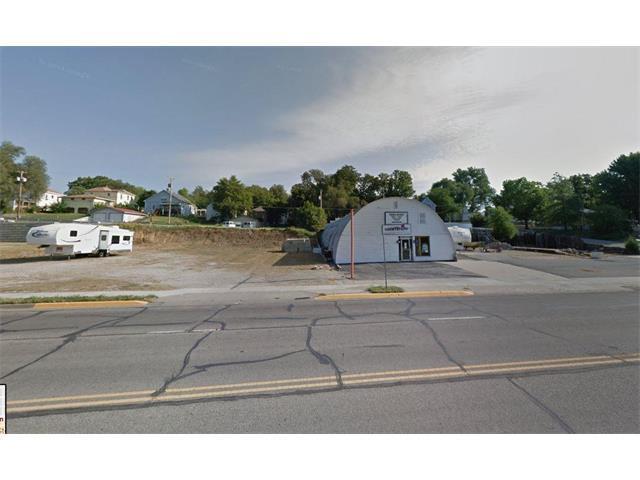 1605 Main Street, Atchison, KS 66002 (#2069153) :: Carrington Real Estate Services