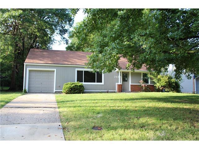 2412 W 76th Street, Prairie Village, KS 66208 (#2069196) :: NestWork Homes