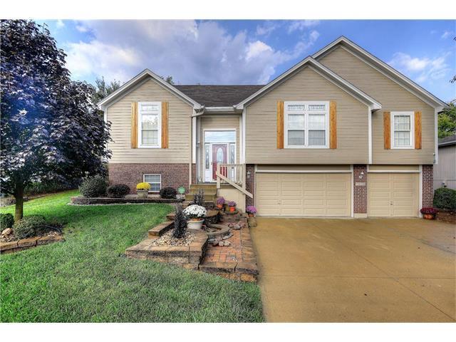 1135 SE Eastridge Drive, Blue Springs, MO 64014 (#2069233) :: NestWork Homes