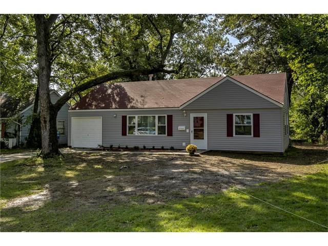 2705 W 76th Street, Prairie Village, KS 66208 (#2069323) :: NestWork Homes