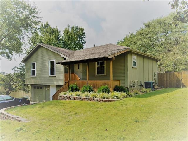 1313 NW 55th Street, Blue Springs, MO 64015 (#2069464) :: NestWork Homes
