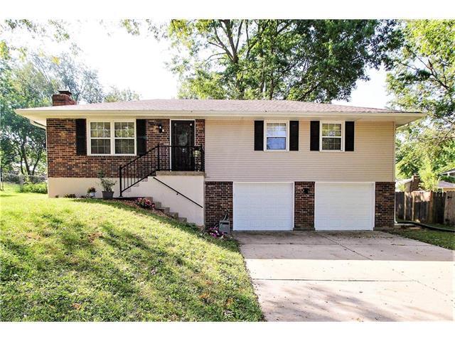 420 NE Grant Drive, Blue Springs, MO 64014 (#2070589) :: NestWork Homes