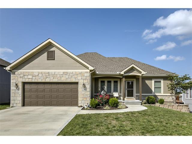 1304 NW Basswood Court, Grain Valley, MO 64029 (#2070602) :: Team Dunavant