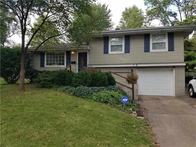 7932 NE 53 Terrace, Kansas City, MO 64119 (#2070625) :: Team Dunavant