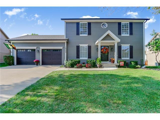 16522 W 154th Street, Olathe, KS 66062 (#2070725) :: NestWork Homes