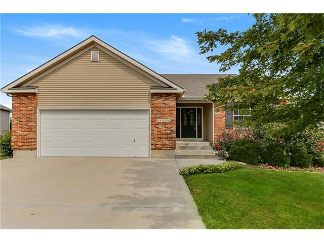 11130 Whispering Lane, Kansas City, KS 66109 (#2070734) :: NestWork Homes
