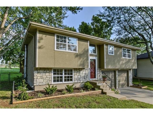 1101 S Doyle Street, Louisburg, KS 66053 (#2070768) :: Kedish Realty Group at Keller Williams Realty