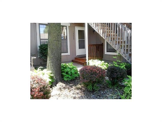 12609 W 110TH Terrace, Overland Park, KS 66210 (#2070797) :: NestWork Homes