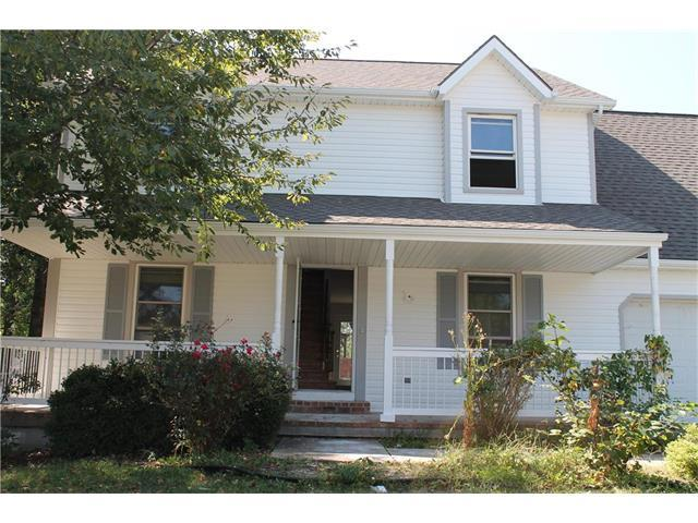 233 Chambery Drive, Olathe, KS 66061 (#2070858) :: NestWork Homes