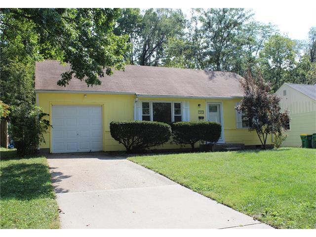 7911 W 60th Street, Merriam, KS 66202 (#2070916) :: NestWork Homes