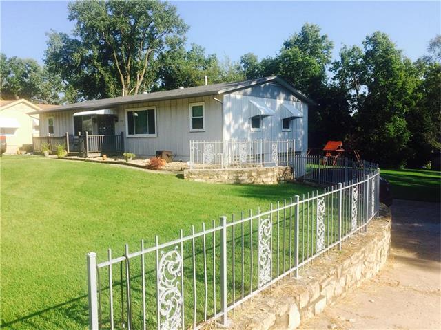 3917 Hagemann Street, Kansas City, KS 66106 (#2070933) :: NestWork Homes