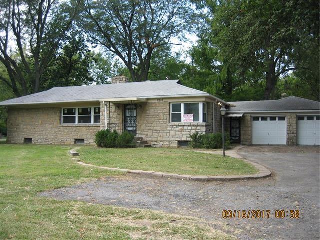2518 S Lees Summit Road, Independence, MO 64055 (#2070954) :: NestWork Homes