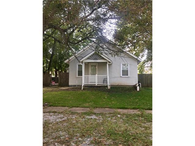 204 S Elm Street, Louisburg, KS 66053 (#2070956) :: NestWork Homes
