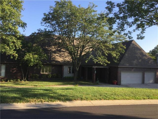 4012 W 110th Street, Leawood, KS 66211 (#2070967) :: Kedish Realty Group at Keller Williams Realty