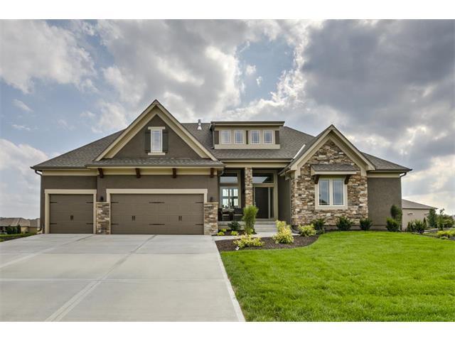 735 SW Estates Drive, Lee's Summit, MO 64082 (#2070991) :: Kedish Realty Group at Keller Williams Realty