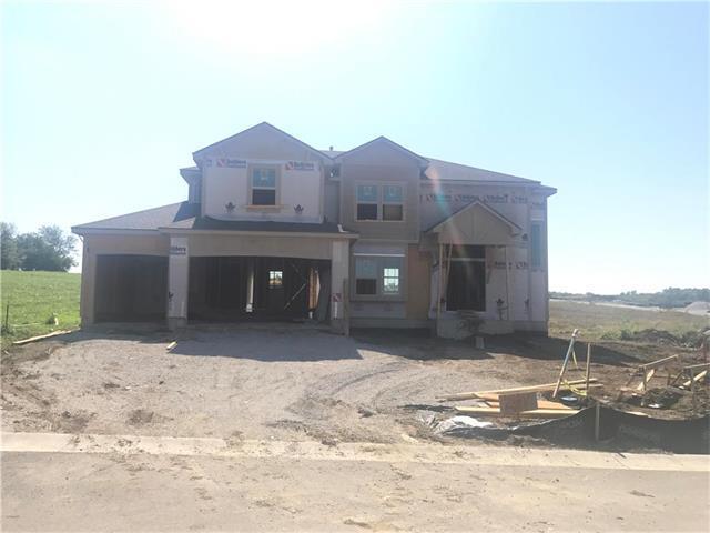 2401 SW Farmstead Circle, Lee's Summit, MO 64082 (#2071023) :: Kedish Realty Group at Keller Williams Realty