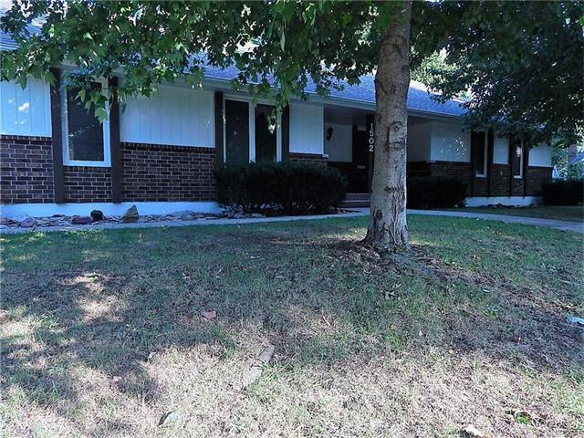 1502 SW 19th Street, Blue Springs, MO 64015 (#2071073) :: Kedish Realty Group at Keller Williams Realty