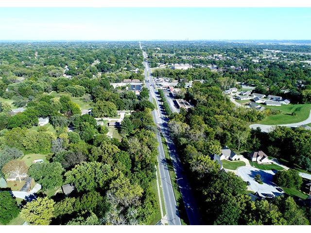 8000 Parallel Parkway, Kansas City, KS 66112 (#2072004) :: Edie Waters Team