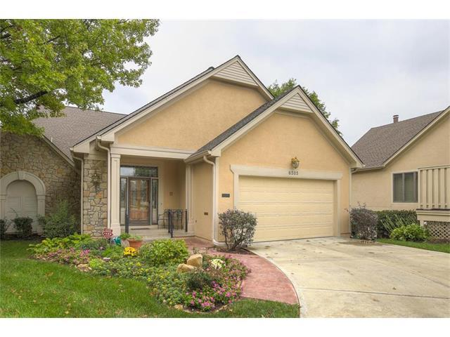 6505 W 92 Street, Overland Park, KS 66212 (#2072740) :: Char MacCallum Real Estate Group