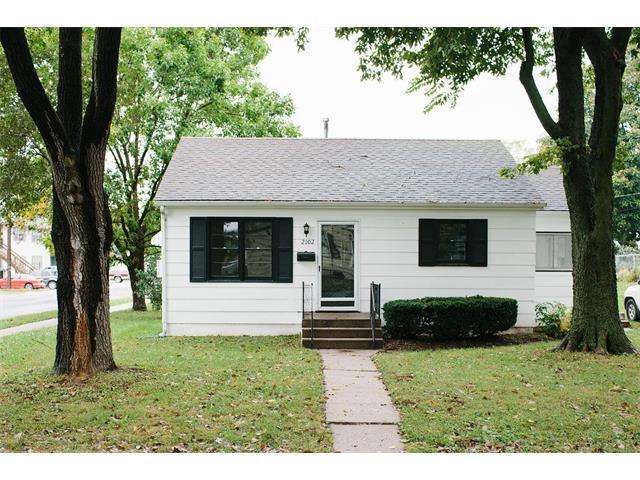 2102 Garfield Street, Lexington, MO 64067 (#2072879) :: Edie Waters Team