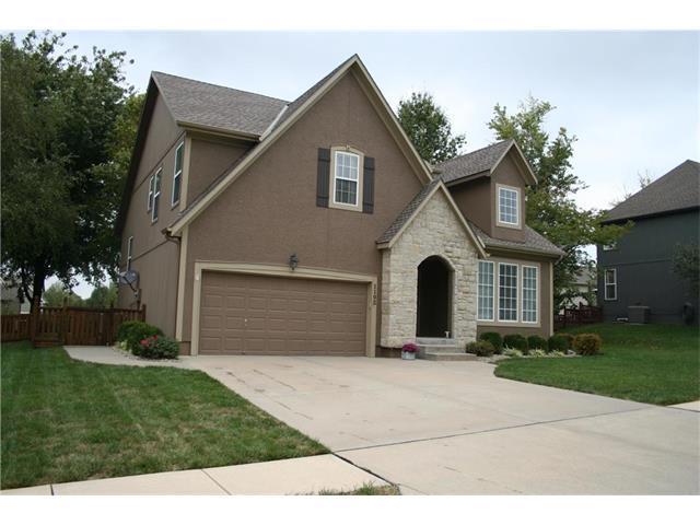 1102 N 3rd Street, Louisburg, KS 66053 (#2072901) :: Tradition Home Group