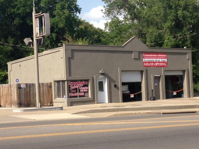 5922 Leavenworth Road, Kansas City, KS 66104 (#2073865) :: Carrington Real Estate Services
